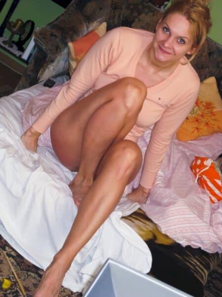 Femme infidèle sexy soumise pour gars clean assez souvent dispo